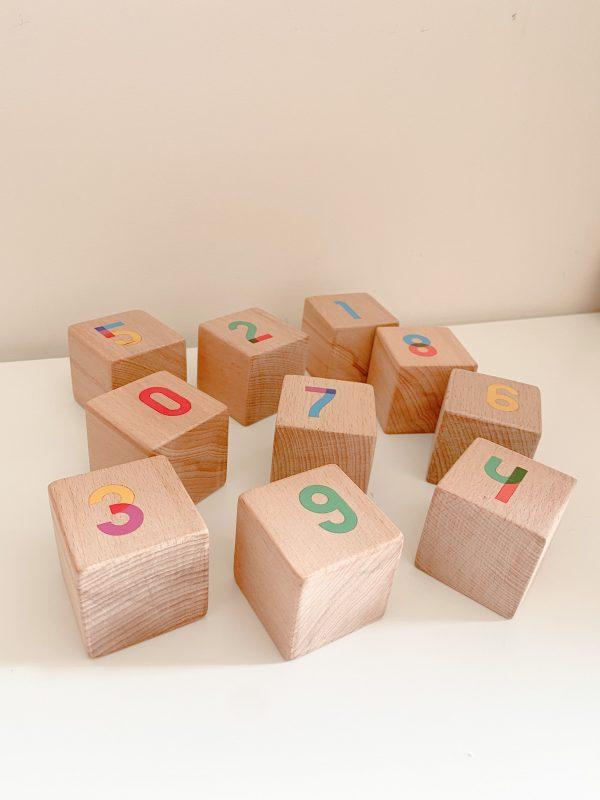 cubes chiffres couleurs