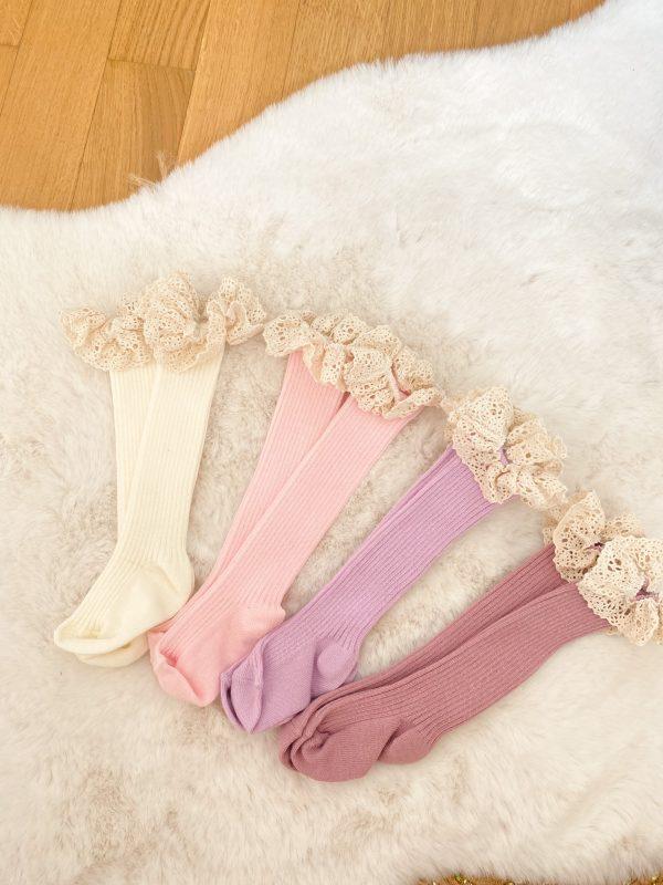 Chaussettes hautes en dentelle